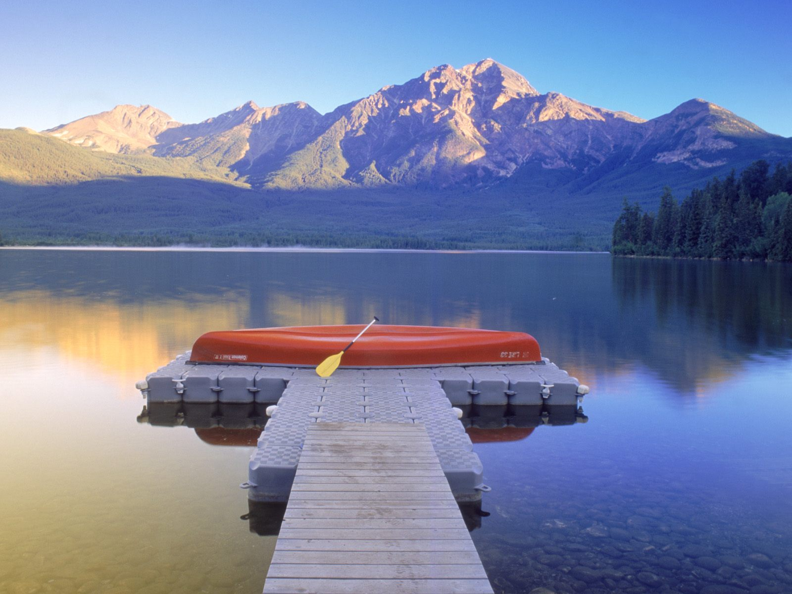 beautiful-lakes-wallpapers-007