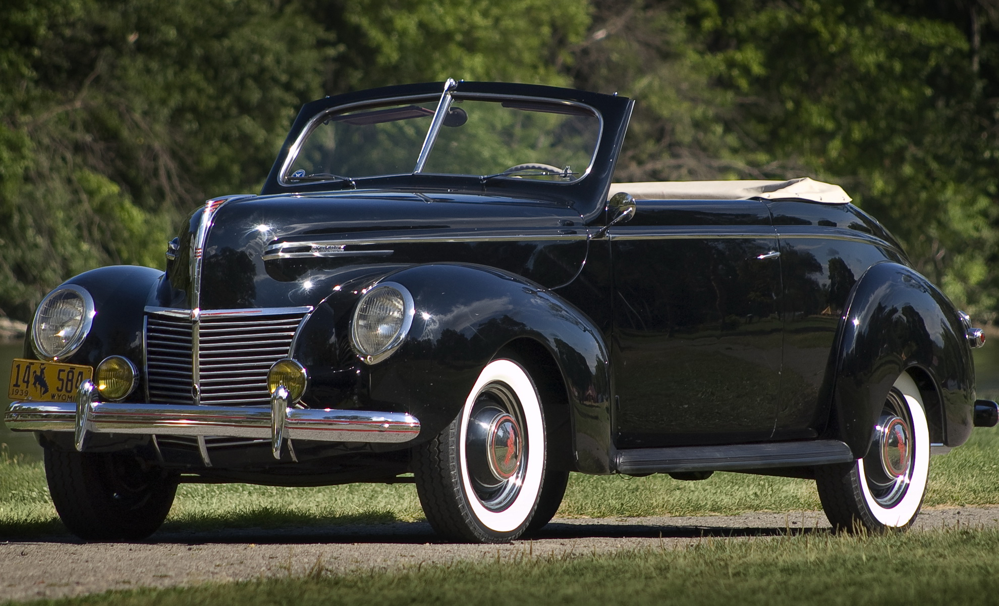 mercury-convertible-club-coupe-99a-1939